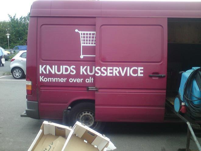 knuds_kusservice_kommer_over_alt