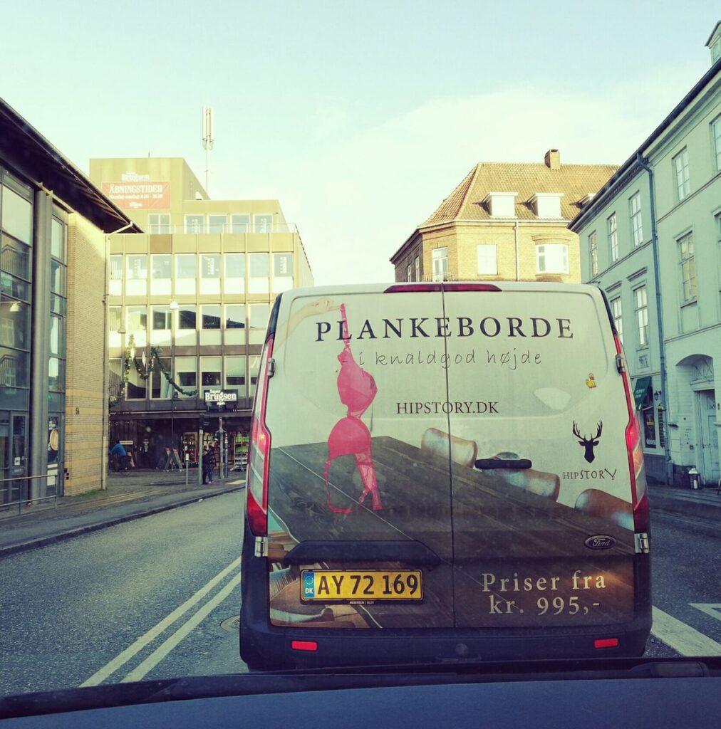 plankeborde_i_knaldgod_højde